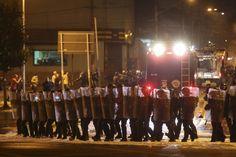 """Foram quatro horas de caminhada pacífica pelos cinco quilômetros que ligam a avenida Paulista ao Largo da Batata, em São Paulo, no protesto contra o Governo do presidente Michel Temer no domingo, dia 4. No trajeto, manifestantes enchiam os pulmões para gritar melodiosamente """"que coincidência, não tem polícia, não tem violência""""."""
