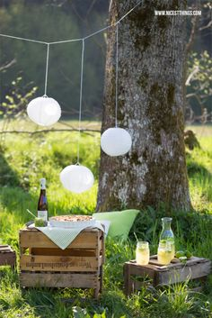 Picnic in Munich park :> Romantic Picnics, Romantic Dates, Vintage Party, Outdoor Parties, Cake Table, Tiered Cakes, Birthday, Outdoor Decor, Inspiration