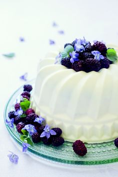 Elderflower, Blackberry, Violet and White Chocolate Cake Recipe Summer
