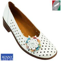 9f0bda764a Cikkszám: 22-52760 18H fehér Klasszikus fazonú, kényelmes női bőr cipő az  Arától
