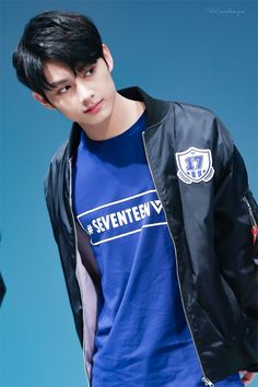 visuals needs to be appreciated more tbh Jun is the most handsome to me Woozi, Wonwoo, Jeonghan, The8, Seungkwan, Seventeen Funny, Going Seventeen, Seventeen Debut, Seventeen Junhui