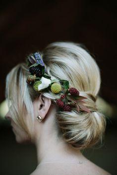 Berry headband: http://www.stylemepretty.com/california-weddings/sonoma-county/2015/03/27/summer-garden-wedding-in-sonoma-county/ | Photography: Jonas Seaman - http://jonas-seaman.com/