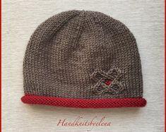 "Ravelry: Hat ""Lucky Star"" pattern by Yelena Chen Weaving Patterns, Star Patterns, Knitting Patterns, Knit Crochet, Crochet Hats, Lucky Star, Cute Hats, Etsy, Baby Knitting"