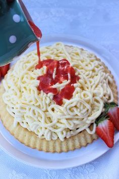 Spaghetti Eis Dessert, Biscuits, Allrecipes, Good Food, Fun Food, Food Porn, Food And Drink, Ethnic Recipes, Petra