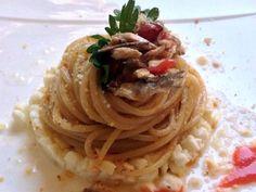 Spaghettoni, tartare di bufala, alici, sua colatura e croccante di fresella…