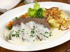 Ukusno i sočno: Kuvano juneće meso sa sosom od rena - stvarukusa Austrian Cuisine, Beef Recipes, German Recipes, Mashed Potatoes, Meat, Chicken, Breakfast, Ethnic Recipes, Food
