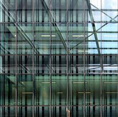 ― Il concetto di materialità trasparente: 'ambiente che si trasforma di continuo… by roB_meL, via Flickr