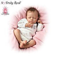 Ashton drake dolls from Maxedupgifts are handcrafted of RealTouch® vinyl to recreate every hand-sculpted detail and the softness of a reborn baby skin.Some of our newborn baby dolls. Real Looking Baby Dolls, Life Like Baby Dolls, Life Like Babies, Real Baby Dolls, Realistic Baby Dolls, Real Doll, Baby Girl Dolls, Boy Doll, Toddler Dolls