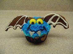Decorating Cupcakes: #1 Halloween Vampire bat