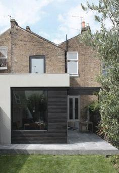 Powerscroft Road, London by Kleinmann Frydenbø Extension Veranda, Cottage Extension, Glass Extension, Rear Extension, Extension Ideas, Georgian Townhouse, Exterior Design, Interior And Exterior, London House