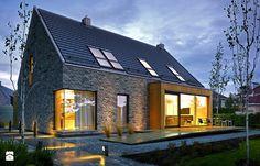 ATRAKCYJNY 1 - projekt z elewacją klinkierową - Średnie jednopiętrowe nowoczesne domy jednorodzinne murowane z dwuspadowym dachem, styl nowoczesny - zdjęcie od DOMY Z WIZJĄ - nowoczesne projekty domów