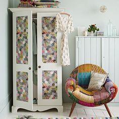 Land Schlafzimmer mit Patchwork-Stuhl Wohnideen Living Ideas