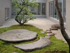 Japanese-inspired Courtyard Uses Stones in Sculptural Route