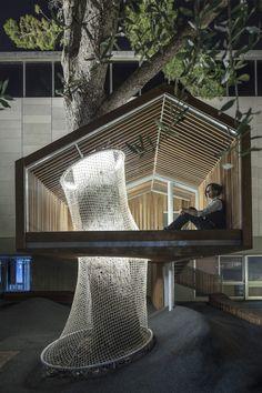 The Youth Wing for Art Education Entrance Courtyard / Ifat Finkelman + Deborah Warschawski