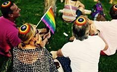 """Israele, associazione di ebrei ortodossi: """"Niente diritti ai gay, ma senza escluderli dalla religione"""" Ecco i primi passi dell'organizzazione dei rabbini ortodossi israeliani Beit Hillel (Casa di Hillel) contro l'esclusione totale delle minoranze sessuali dalla vita religiosa. #israele #ebrei #omosessualità #gay"""
