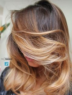Discover amazing things and connect with passionate people. Joelle, Work Hairstyles, Hair Studio, Ootd, Hair Color, Long Hair Styles, Beauty, Bari, Hair Ideas