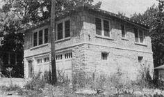 Bonnie & Clyde's 1930's Missouri hideout house! see more at: http://www.house-crazy.com/bonnie-and-clydes-joplin-missouri-hideout/