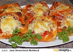 Fofr pizza z toustového chleba recept - TopRecepty.cz Dumplings, Easy Cooking, Lasagna, Baked Potato, A Table, Hamburger, Meal Prep, Sandwiches, Brunch