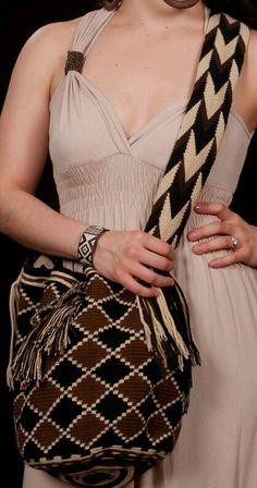Crochet Pillow Patterns Free, Free Crochet Bag, Bag Pattern Free, Shawl Patterns, Crochet Baby Booties, Crochet Purses, Dress Patterns, Tapestry Bag, Tapestry Crochet
