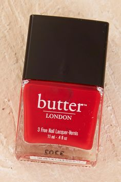 BUTTER LONDON - Pillar Box Red Nail Lacquer