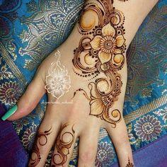 Henna Designs Easy, Beautiful Henna Designs, Henna Tattoo Designs, Mehandi Designs, Tattoo Ideas, Henna Tattoos, Hand Mehndi, Mehndi Art, Henna Art