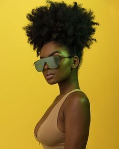 Big Afro hairstyles are basically the bigger and greater version of the Afro hairstyles. Afro which is sometimes shortened as 'FRO, is a hairstyle worn naturally outward by The African American black people. Pelo Natural, Natural Hair Tips, Natural Hair Styles, Natural Afro Hairstyles, Twist Hairstyles, Black Hairstyles, Natural Beauty, Brown Skin, Dark Skin