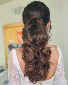 Mehndi Hairstyles, Quince Hairstyles, Hairstyles For Gowns, Bride Hairstyles, Indian Hairstyles, Messy Ponytail Hairstyles, Pony Hairstyles, Wedding Hairstyles For Long Hair, Braids For Long Hair