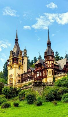 Peleș Castle is a Neo-Renaissance castle in the Carpathian Mountains, near Sinaia, Romania. Peles Castle has a sq ft plan with over 170 rooms, many with dedicated themes from world cultures. Beautiful Castles, Beautiful Buildings, Beautiful Places, Places Around The World, The Places Youll Go, Places To See, Chateau Medieval, Medieval Castle, Bulgaria