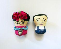 Frida Kahlo & Diego Rivera. Mini brooch, handmade by Chunchitos