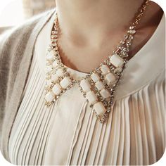 Promotion! Wholesale!  Fashion lady women jewelry all-match vintage luxury acrylic and rhinestone choker necklaces SN304 - http://www.aliexpress.com/item/Promotion-Wholesale-Fashion-lady-women-jewelry-all-match-vintage-luxury-acrylic-and-rhinestone-choker-necklaces-SN304/1023797519.html