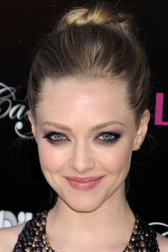 Let Amanda Seyfried's shimmery, smoky eyes be your weekend makeup inspiration http://beautyeditor.ca/2013/11/15/amanda-seyfried-makeup/