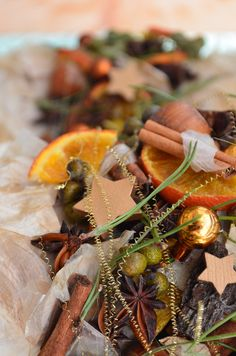 Unsere Adventsausstellung - Dörrenbächer Pflanzen & Gestalten Advent, Christmas Scents, Winter, Ethnic Recipes, Xmas, Plants, Winter Time, Winter Fashion