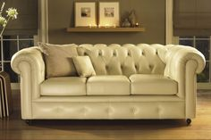 Artistic Classic Sofa for Vintage Living Room : Magnificent Classic Sofas White Color Artistic Living Room Decor Vintage Sofa, Sofa Design, Interior Room Decoration, Home Decor, Sofas, Sofa Deals, Best Leather Sofa, Sofa Inspiration, Sofa Colors