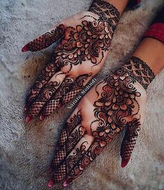 Beautiful Mehndi Design - Browse thousand of beautiful mehndi desings for your hands and feet. Here you will be find best mehndi design for every place and occastion. Quickly save your favorite Mehendi design images and pictures on the HappyShappy app. Henna Hand Designs, Dulhan Mehndi Designs, Mehandi Designs, Mehndi Designs Finger, Simple Arabic Mehndi Designs, Mehndi Designs For Girls, Mehndi Designs 2018, Stylish Mehndi Designs, Wedding Mehndi Designs