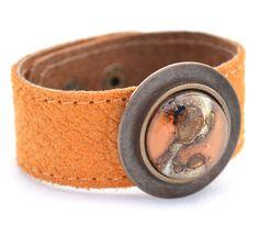 Brazalete Vidrio y Cuero  Glass and leather bracelet  Cristálida