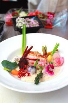 Rougets farcis, petits légumes glaçés à l'huile d'olive, risotto et émulsion de jus corsé (Chef CiCOGNOLA - Les étoiles de Mougins)