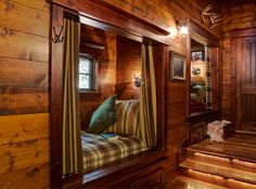 Lake House Design, Pictures, Remodel, Decor and Ideas - it's like a cabin design Bed Nook, Cozy Nook, Cozy Cabin, Alcove Bed, Guest Cabin, Guest Bed, Guest Rooms, Cabin Homes, Log Homes