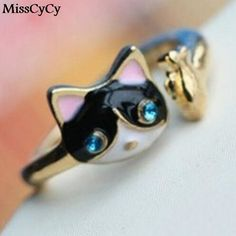 Rhinestone Cat And Fish Ring  Show your cat love with this beautiful, attractive cutie!