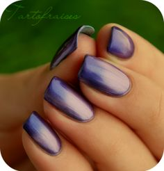 LM Magnetic gradient #nail #gradientnails #nails http://www.nail-art.fr/vernis-magnetiques-lm-cosmetic/