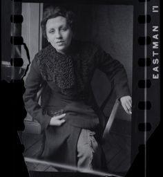 Gerda Taro, photo by Fred Stein