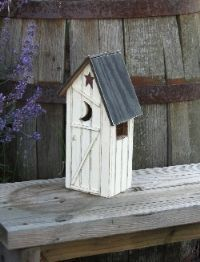 Lighted Country Houses and Primitive Saltbox Houses bird house Primitive Bathroom Decor, Primitive Furniture, Primitive Decor, Saltbox Houses, Bird Houses, Crazy Houses, Wooden Houses, Up House, House In The Woods