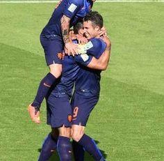 Mundial de Fútbol 2014: Holanda coloca un pie en octavos de final | NOTICIAS AL TIEMPO