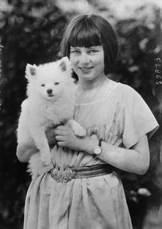 Princess Ileana of Romania and her pet. She was a great-granddaughter of Queen Victoria of the UK and Emperor Alexander II of Russia Miniature American Eskimo, American Eskimo Dog, Japanese Spitz Dog, Romanian Royal Family, Pomeranian Puppy, Pomsky, Pomeranians, Samoyed, German Spitz