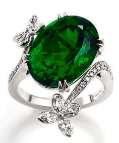Harry Winston, Marquesa Emerald Ring ....Oh Harry, you have a way with making me say....YES!