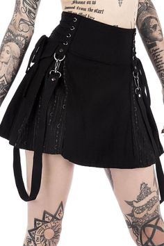 Sinister Scouts Mini Skirt [B] - Tout Sur La Mode Féminine Gothic Outfits, Edgy Outfits, Grunge Outfits, Grunge Fashion, Cool Outfits, Punk Goth Fashion, Rock Fashion, Cute Punk Outfits, Goth Girl Outfits