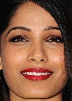 Close-up of Freida Pinto at WWD and Variety's 2015 Stylemakers Event. http://beautyeditor.ca/2015/11/23/best-beauty-looks-vanessa-hudgens