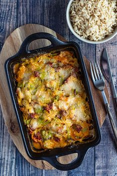 gratin cabillaud poireaux chorizo Queso Cheese, Macaroni And Cheese, Plats Weight Watchers, Cooking Recipes, Healthy Recipes, Light Recipes, Fish And Seafood, Grain Free, Lasagna