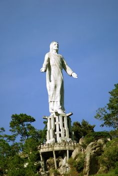 Cristo del Picacho     Tegucigalpa, Honduras - led our first youth missions trip in jul 2011 :)
