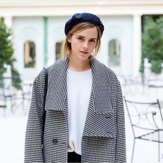 """Emma Watson promoting """"Beauty and the Beast"""" in Paris wearing Stella McCartney. Emma Watson Outfits, Emma Watson Body, Emma Watson Style, Emma Style, Hermione Granger, The Bling Ring, Becoming An Actress, Charlotte, British Actresses"""