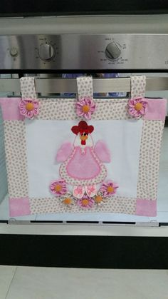Linda peça para deixar a sua cozinha ainda mais bonita: panô para porta do forno do fogão . Consulte sobre padronagem (estampas) dos tecidos. .                                                                                                                                                                                 Mais